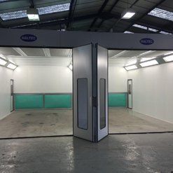 Folding doors of a spraybooth