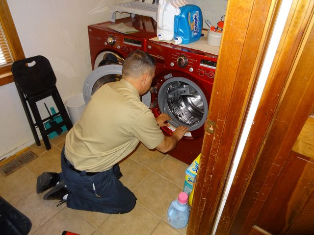Kitchen appliance repair refrigerators washers dryers and more washer repair from nuttermans experts in appliance repair solutioingenieria Images