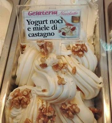 gelato allo yogurt,noci e miele di castagno