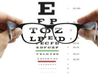 misurazione pressione dell'occhio
