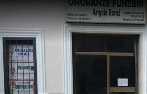 Vista frontale dell'agenzia funebre Ronci a Cave