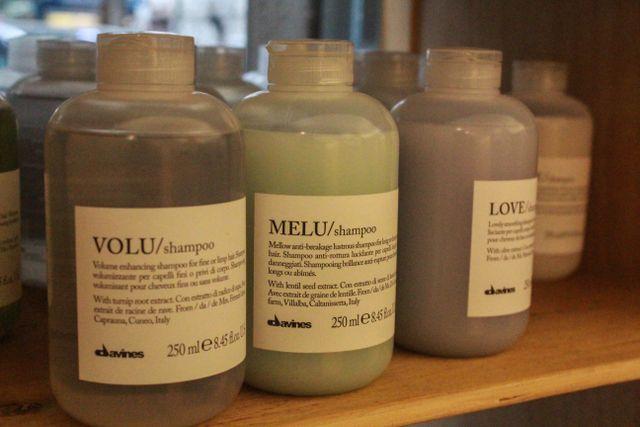 Colorazione dei capelli con i prodotti di qualità a Milano