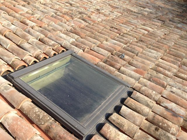 riparazione e sostituzione di finestre per tetto velux abbaino