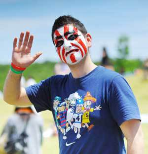 Chubu Walkathon participant with painted face