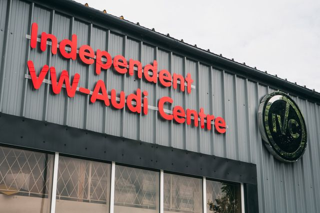 Front view of our independent car repair centre