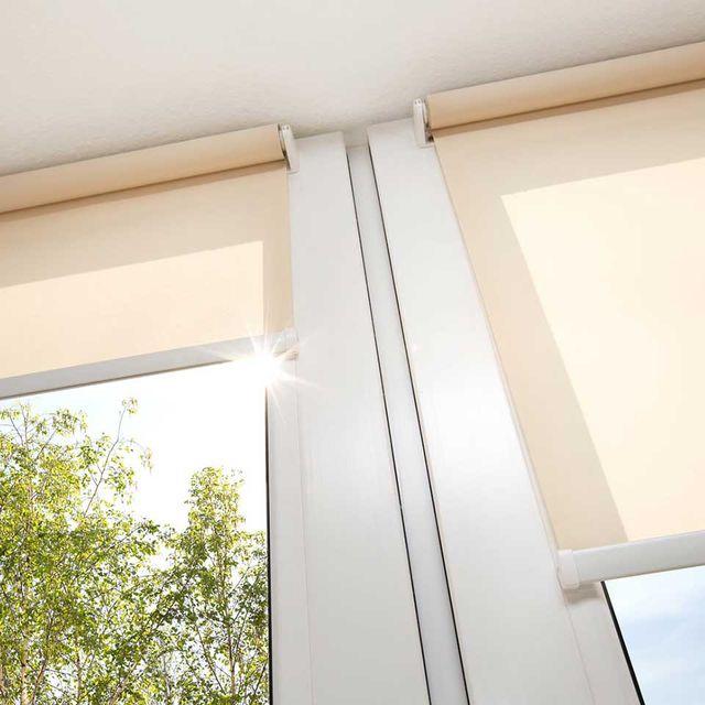 Avvolgibili bianchi per finestre