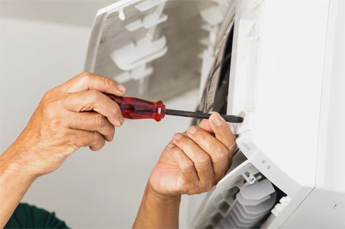 Our technician provides dependable air conditioning installation and repair service in Hilo, HI