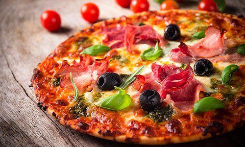 Pizza alla pizzeria da Carlo a Pesaro e Urbino