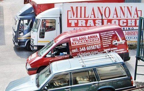 Parco mezzi ditta traslochi Milano Anna