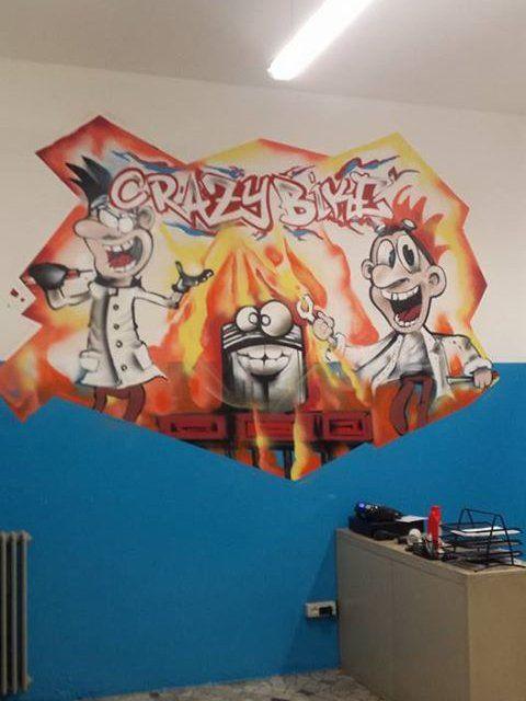 graffiti con scritto CRAZY BIKE