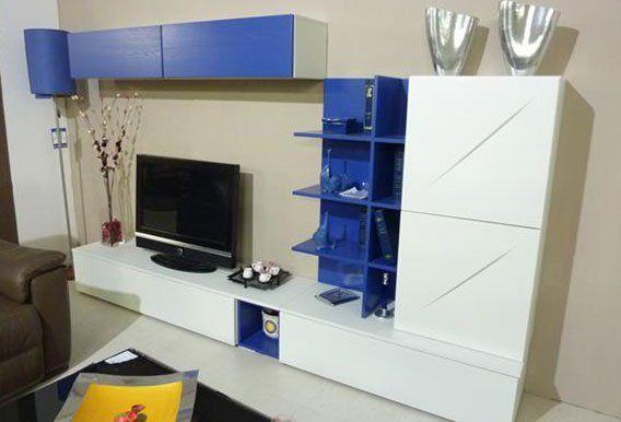 soggiorno moderno con mobili casa -vista laterale