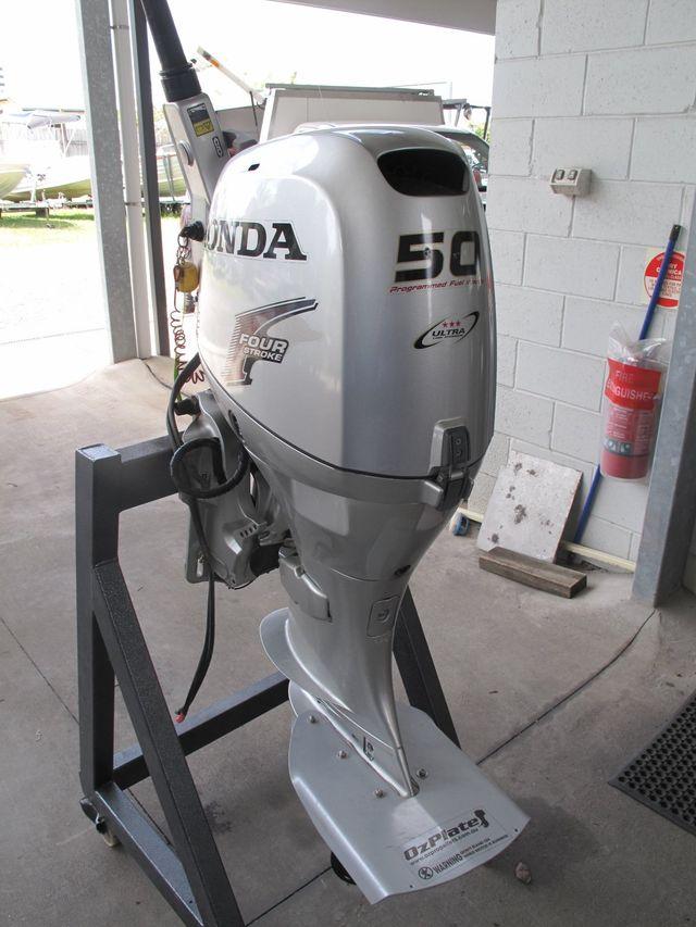 Outboard Motors | Caloundra | Custom Craft Marine QLD | Custom Craft