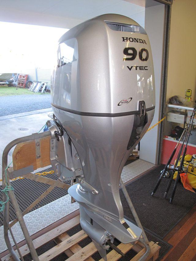 Outboard Motors | Caloundra | Custom Craft Marine QLD