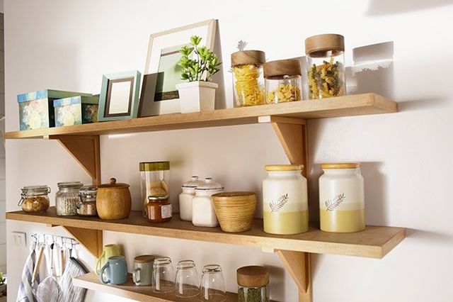 How Decorative Displays Above the Kitchen Cabinet Add Cohesion