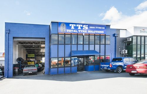 Total Tyre Solutions company offer the right set of tyres in Rotorua