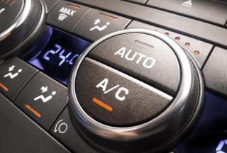 controlli interni auto aria condizionata