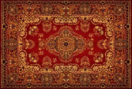 tappeto con decorazioni rosse