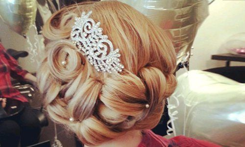 bridesmaid hairdressing