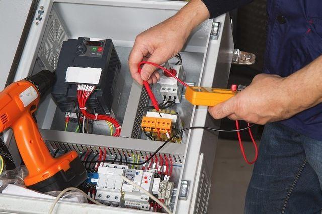 riparazione quadro elettrico pompa