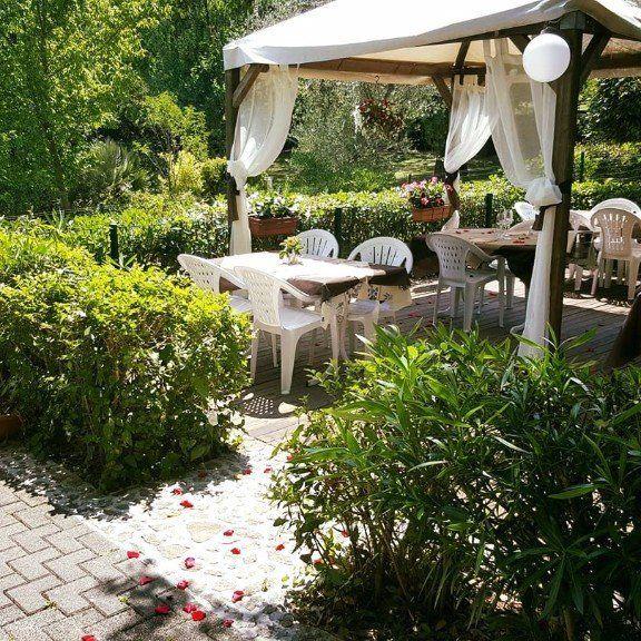 giardino con veranda presso il ristorante Garden