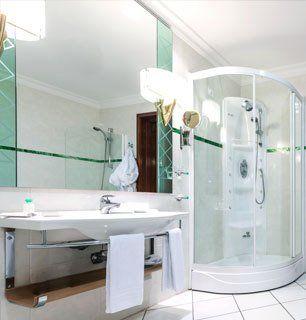 Expert mirror cutting services