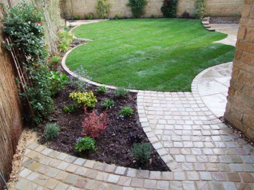 garden maintenance - Evesham - Castle Acre - lawncare