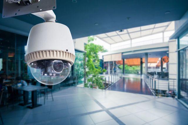 CCTV Camera operativo all'interno di un negozio della stazione o reparto