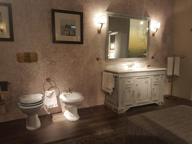 Gallery of emejing arredo bagno svendita photos mobili stunning
