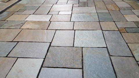 Pavimento per esterni in pietra