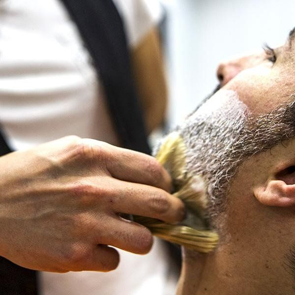 Servizio di rasatura barba su misura