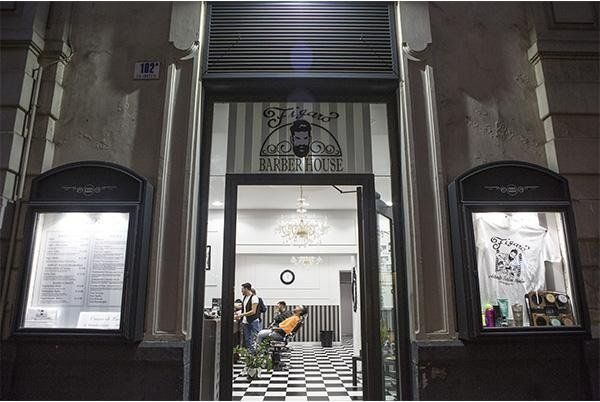 ingresso negozio Figaro Barber House