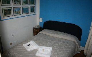 camera blu matrimoniale