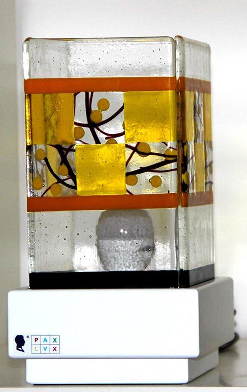 La lampada Pax Lux gialla a Teolo