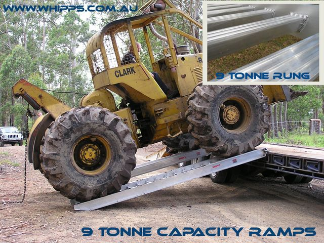 Whipps 9 tonne capacity machinery loading ramps truck tractor backhoe excavator truck