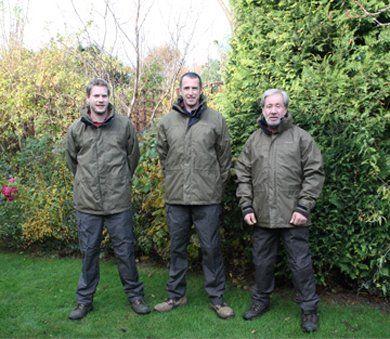 Garden maintenance - Hornchurch - Down 2 Earth Garden Services & Maintenance - Landscaping Staff