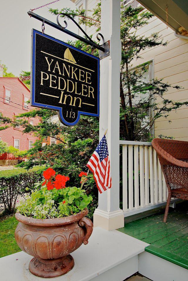 Yankee Peddler Inn Newport