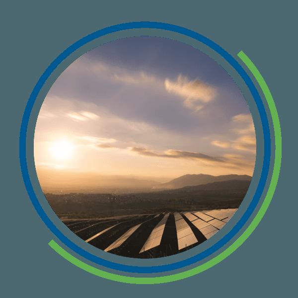 Dei pannelli fotovoltaici rivolti verso la luce del sole
