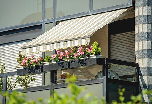 Casa con la tenda da sole a Campagna Lupia