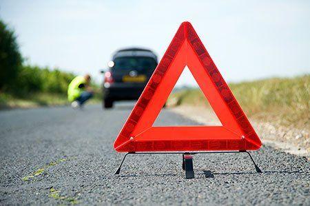 Ricordi mettere il triangolo di emergenza in caso di avaria nella strada, sempre in macchina