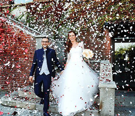 sposi all'uscita dalla chiesa