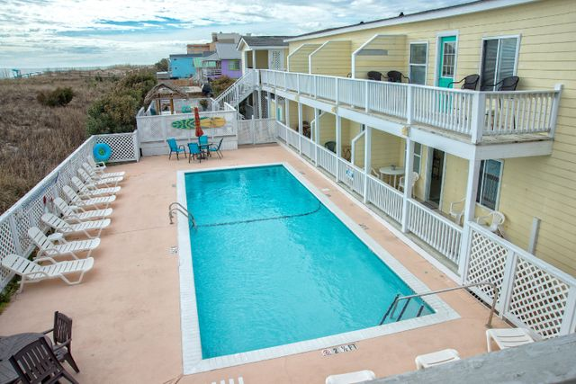 Oceanfront Carolina Beach Hotels Nc Beachfront Hotel The Savannah Inn