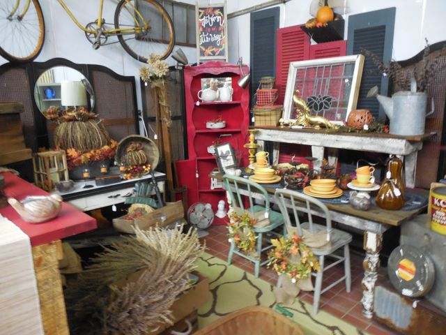 Two Days Market Antiques Collectibles Home Decor Estate Sales Topeka Ks