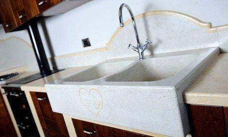 Lavabo in marmo per cucina