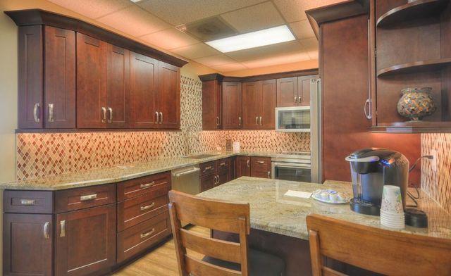 Glendale Phoenix Kitchen Cabinets & Countertops Remodeling Contractor